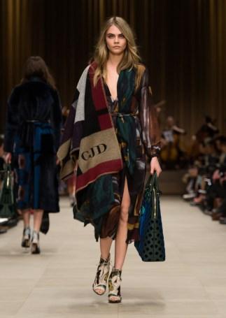 burberry_prorsum_womenswear_autumn_winter_2014___look_51_517631532_north_552x