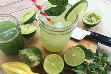 suco emagrecedor de limão com hortelã