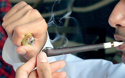 طلبة يكافحون التدخين في المدارس بـالــ فيس بوك محليات