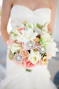 25 Stunning Wedding Bouquets