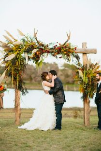 36 Fall Wedding Arch Ideas For Rustic Wedding