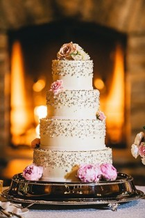 How To Save Money On Your Wedding Cake 12 Tips