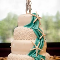 Sweet Inspiration 15 Fabulous Beach Wedding Cakes