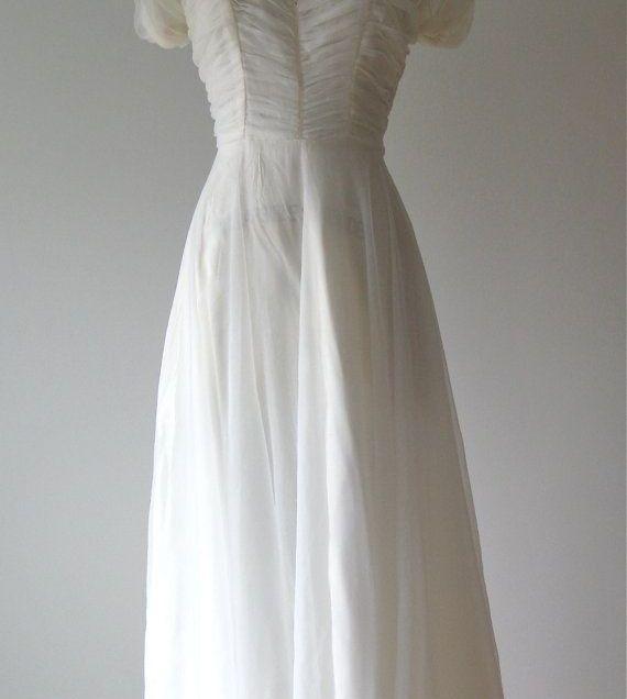 1000 Ideas About 1940s Wedding Dresses On Emasscraft Org