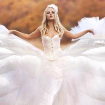 24 Beautiful Feather Wedding Dresses