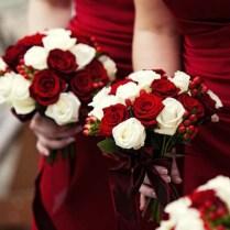 25 Breathtaking Christmas Wedding Ideas