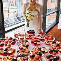 6 Creative Ways To Display Your Wedding Cupcakes