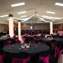 Black And Pink Wedding Table Decoration