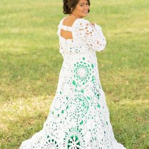 Bride And Her Aunt Spent 8 Months Crocheting A One