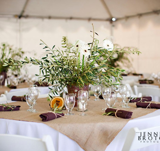 Burlap, Barn Weddings And Tables On Emasscraft Org