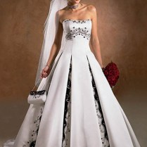 How To Look Perfect In Black And White Wedding Dresses