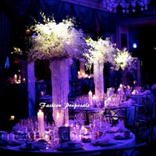 How To Use A Chandelier As A Fascinating Chandelier Wedding