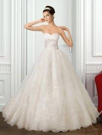 Sweetheart Strapless Lace Princess Wedding Dress