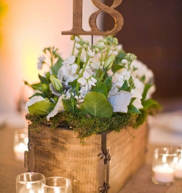 Ten Unique Rustic Wedding Centerpieces