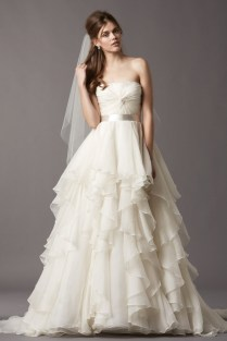 Tiered Ruffled Ball Gown Strapless Organza Wedding Dress With