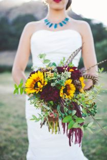 Warmth And Happiness 20 Perfect Sunflower Wedding Bouquet Ideas