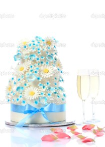 Wedding Cake With Champagne Glasses — Stock Photo © Gzorgz 6209769