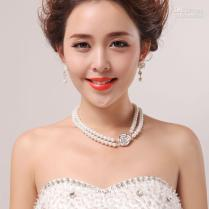 Wedding Dress Pearl Necklace