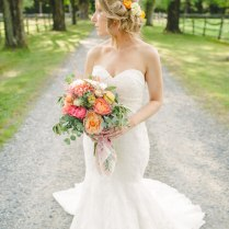 25 Breathtaking Wedding Bouquets You'll Want To Steal!