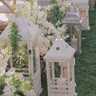9 Beautiful Ways To Decorate Your Aisle