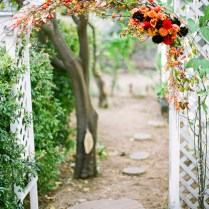 How To Decorate A Wedding Trellis