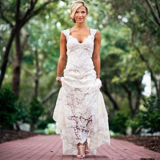 Popular Country Lace Wedding Dress