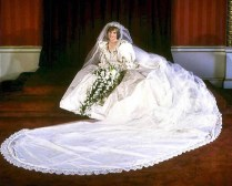Princess Diana Poses On Wedding Day In Royal Wedding Dress