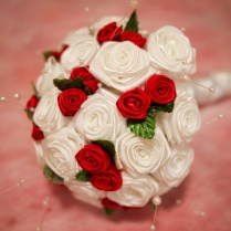 Red And White Wedding Bouquet Photo Album