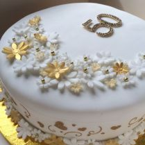 1000 Ideas About 50th Wedding Anniversary Cakes On Emasscraft Org