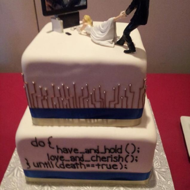 1000 Ideas About Geek Wedding Cakes On Emasscraft Org