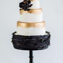 Sweet Lisa Black White Wedding Cake 300 Black White Silver