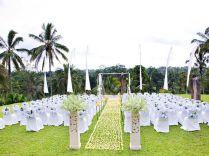 Couples Portrait At A Garden Wedding Garden Wedding Ideas