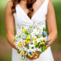 Daisy Wedding Flower Arrangements