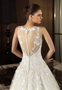 Lace Back Wedding Dresses – The Must Have Wedding Dress Of The
