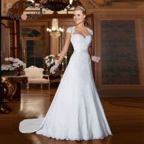 Popular Fitted Lace Wedding Dress