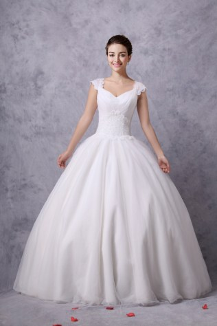 Wholesale Simple Tulle Ball Gown Wedding Dress With Cap Sleeves