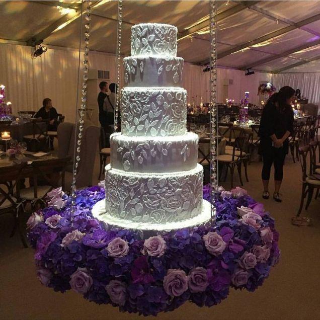 17 Best Ideas About Suspended Wedding Cake On Emasscraft Org