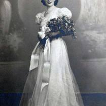 1940s Wedding Dresses Gowns, Trends & Pictures