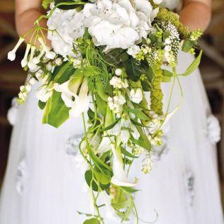 25 Swoon Worthy Spring & Summer Wedding Bouquets