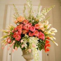 Big Wedding Flower Arrangements