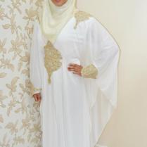 White Abaya With Brighten Hijab Styling – Girls Hijab Style
