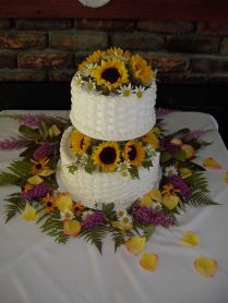 Best 25 Sunflower Wedding Cakes Ideas On Emasscraft Org