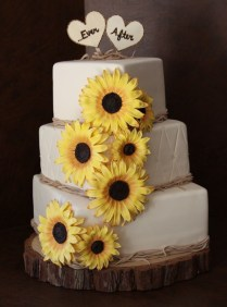Mesmerizing Wedding Cakes With Sunflower Decoration 20 For Your
