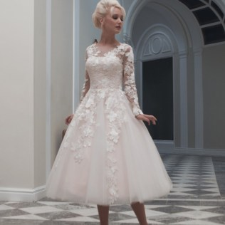25 Of The Most Beautiful Tea Length Short Wedding Dresses With