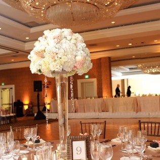 Appealing Ivory And Champagne Wedding Decor 11 In Wedding Table