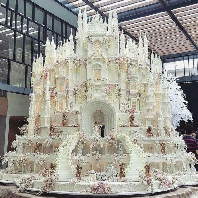 Best 25 Castle Wedding Cake Ideas On Emasscraft Org