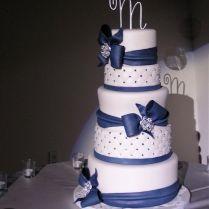 Best 25 Navy Blue Round Wedding Cakes Ideas On Emasscraft Org