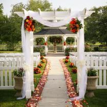 Garnish Your Wedding Ceremony With Mesmerizing Decorations