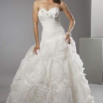 Goes Wedding » Roses Fancy Charming Alfred Sung White Wedding