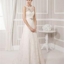 Line Illusion Scalloped Neckline Vintage Lace Wedding Dress